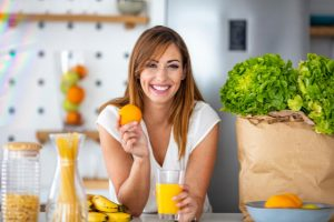 She picks healthy food instead of an unhealthy one.