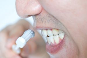 brush teeth to avoid bad breath
